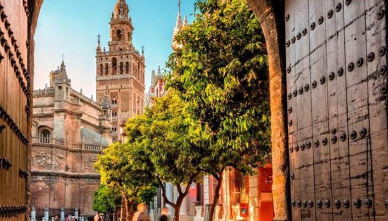 Returning to Sevilla: Origin and Destination