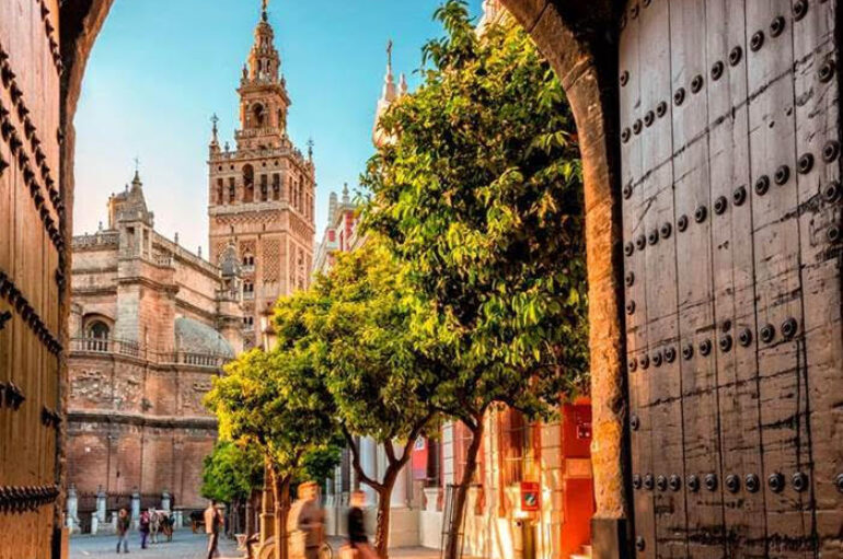 Returning to Sevilla: Origin and Destination